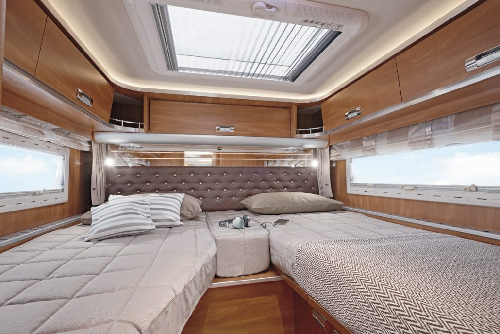 wohnmobile erlangen laika kreos teilintegrierte 3009s. Black Bedroom Furniture Sets. Home Design Ideas