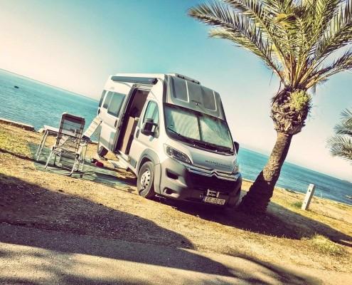 Wohnmobil am Meer in der Normandie