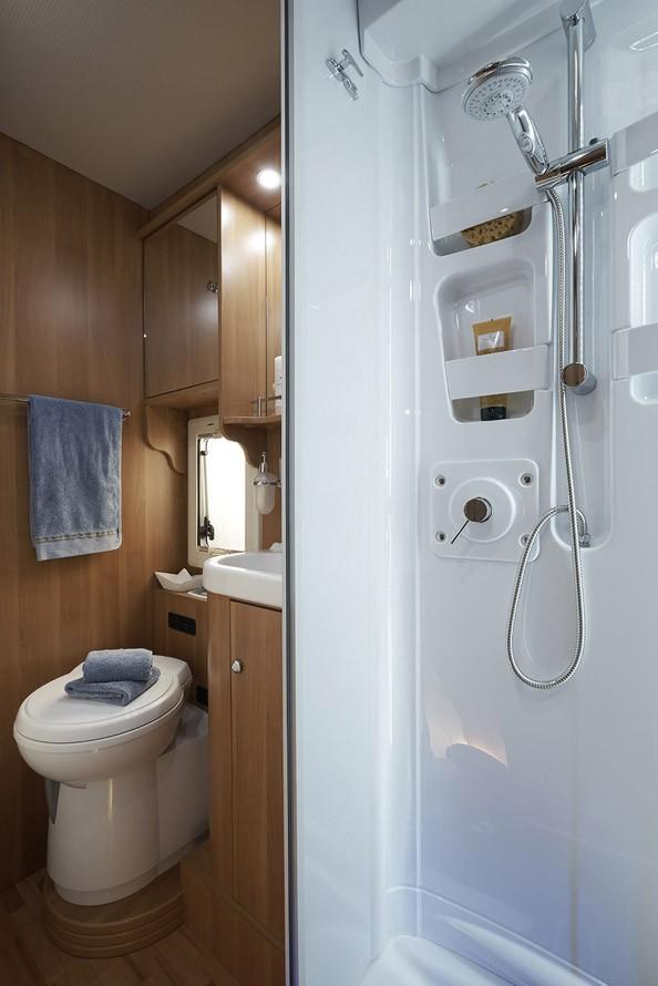 wohnmobile erlangen laika ev691 0084. Black Bedroom Furniture Sets. Home Design Ideas