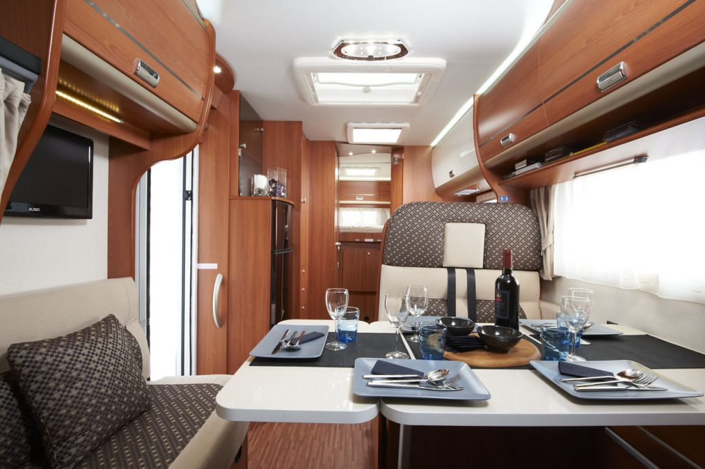 wohnmobile erlangen laika ecovip motorhome 710. Black Bedroom Furniture Sets. Home Design Ideas