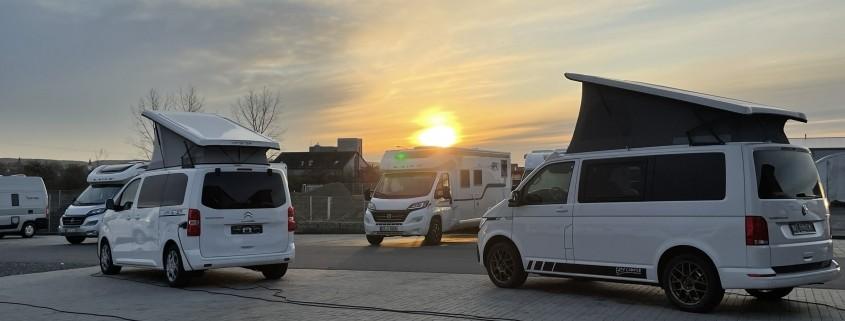 Wohnmobile Erlangen Camper im Sonnenuntergang